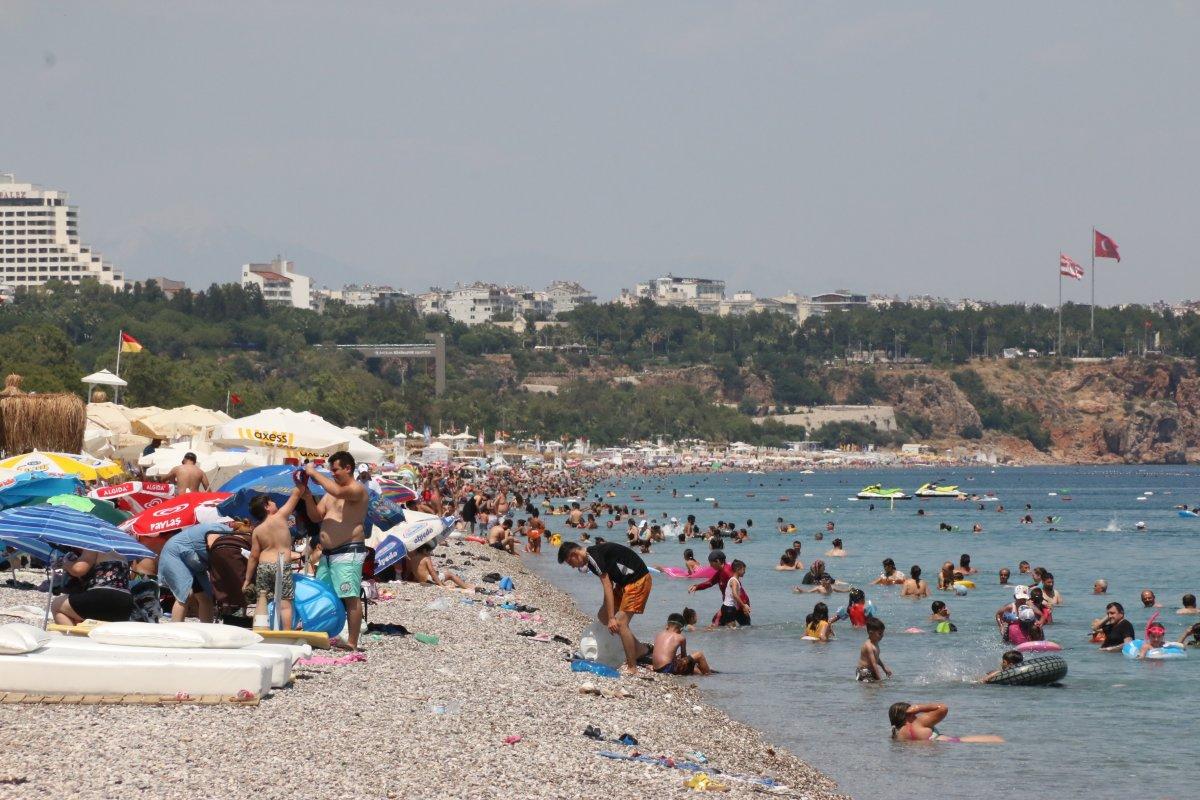 Antalya sahillerinde sınav sonu yoğunluğu #3
