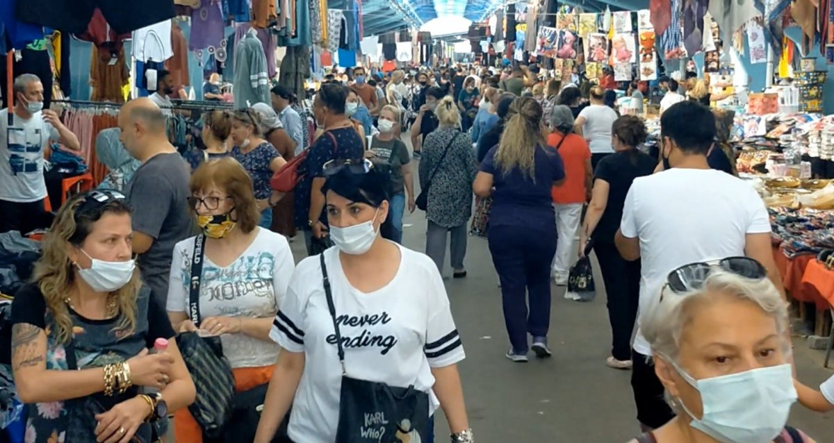 Edirne'de, Bulgar vatandaşlarının alışveriş yoğunluğu kamerada #1