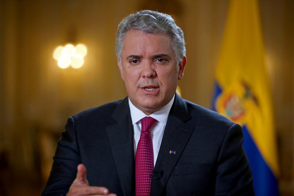 Kolombiya Devlet Başkanı Ivan Duque nin bulunduğu helikoptere silahlı saldırı #1