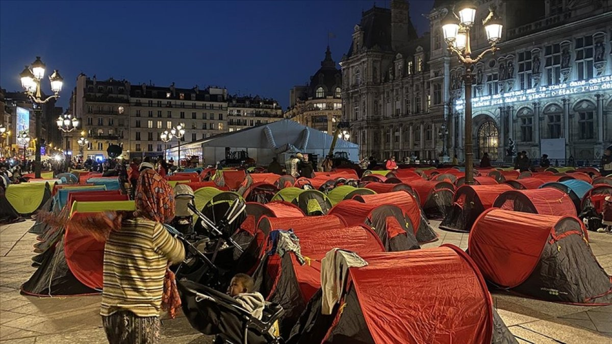 Fransa da göçmenler çadır kurdu #1