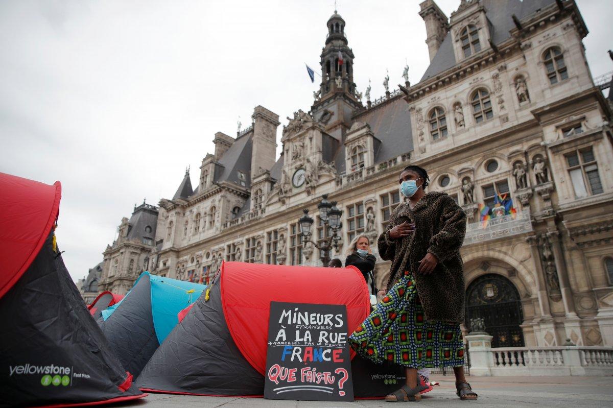 Fransa da göçmenler çadır kurdu #7