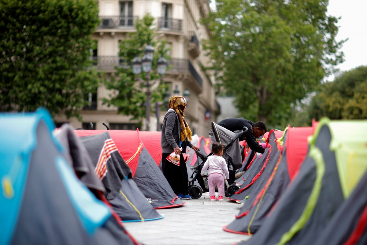 Fransa da göçmenler çadır kurdu #6