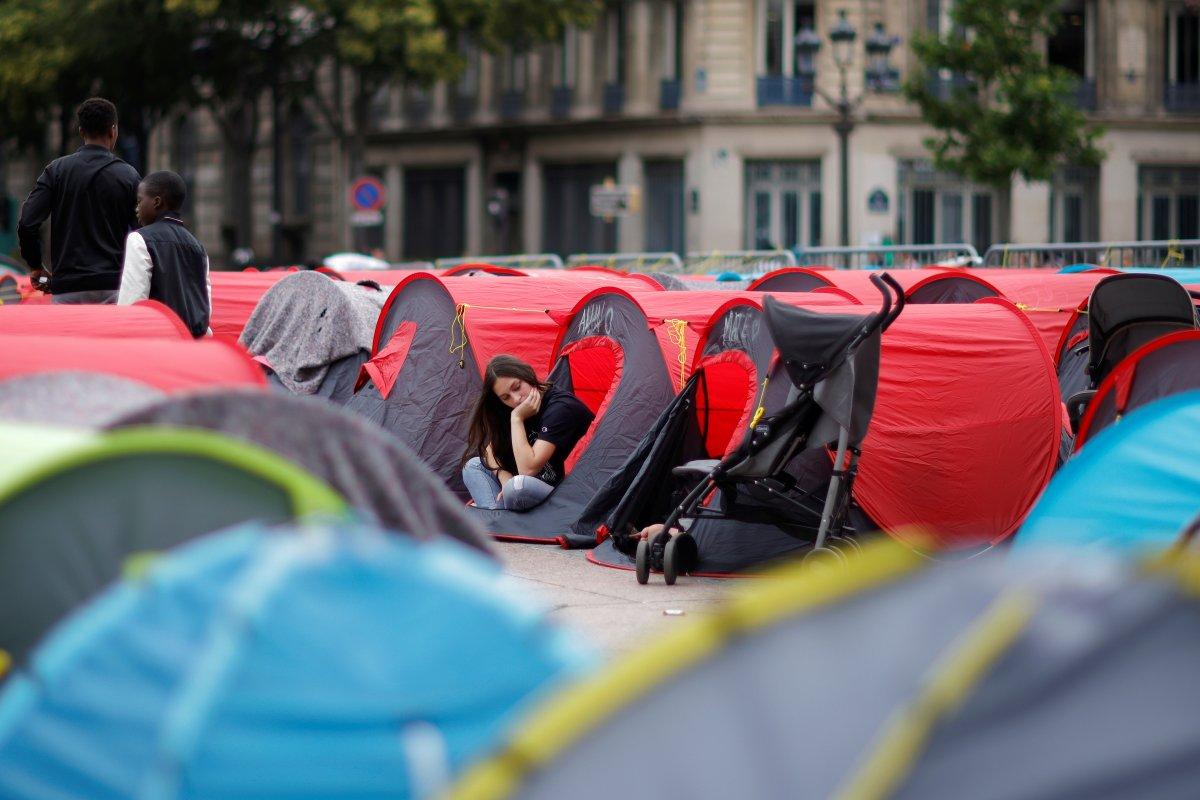 Fransa da göçmenler çadır kurdu #10