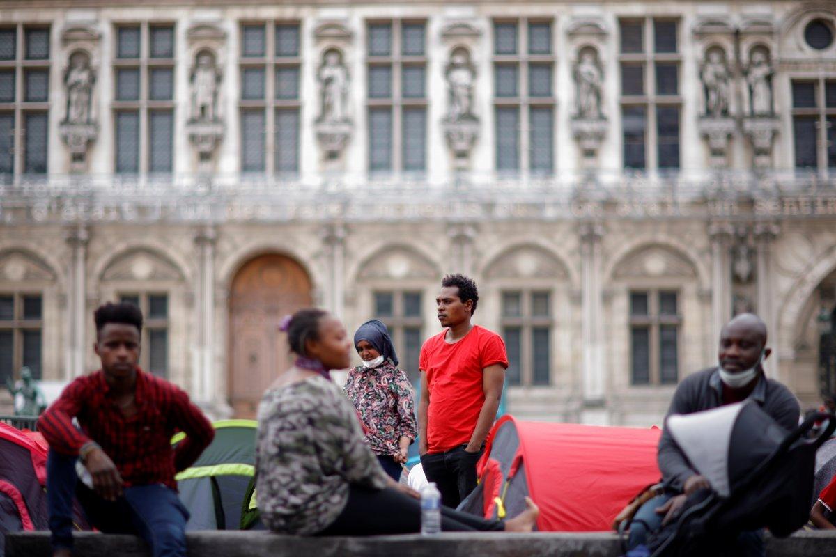 Fransa da göçmenler çadır kurdu #9