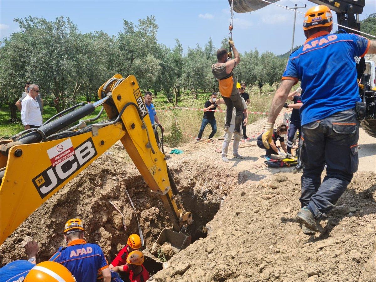 Bursa'da kazı çalışması sırasında toprak kaydı, işçi mahsur kaldı