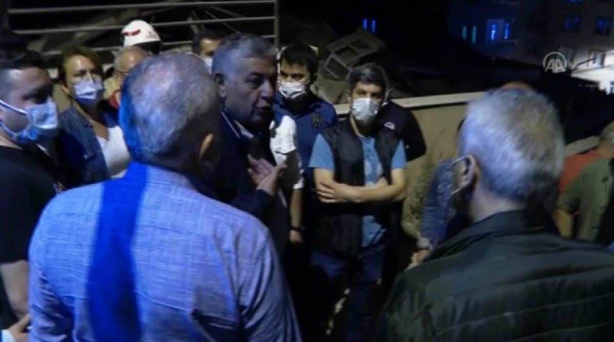 Sarıyer de çöken binayı görmeye gelen belediye başkanı Şükrü Genç e tepki #1