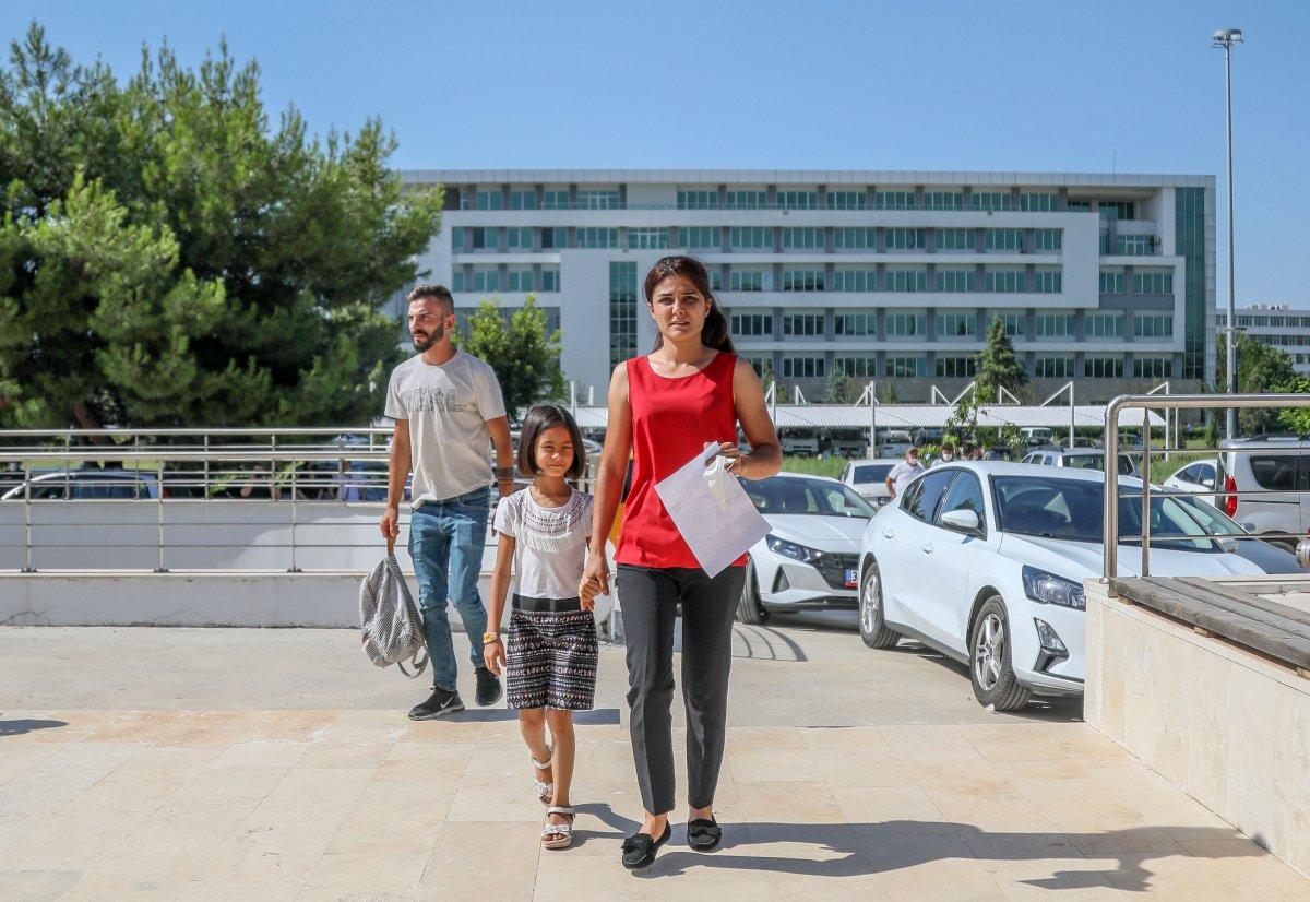 Melek İpek üniversite sınavına girdi #1