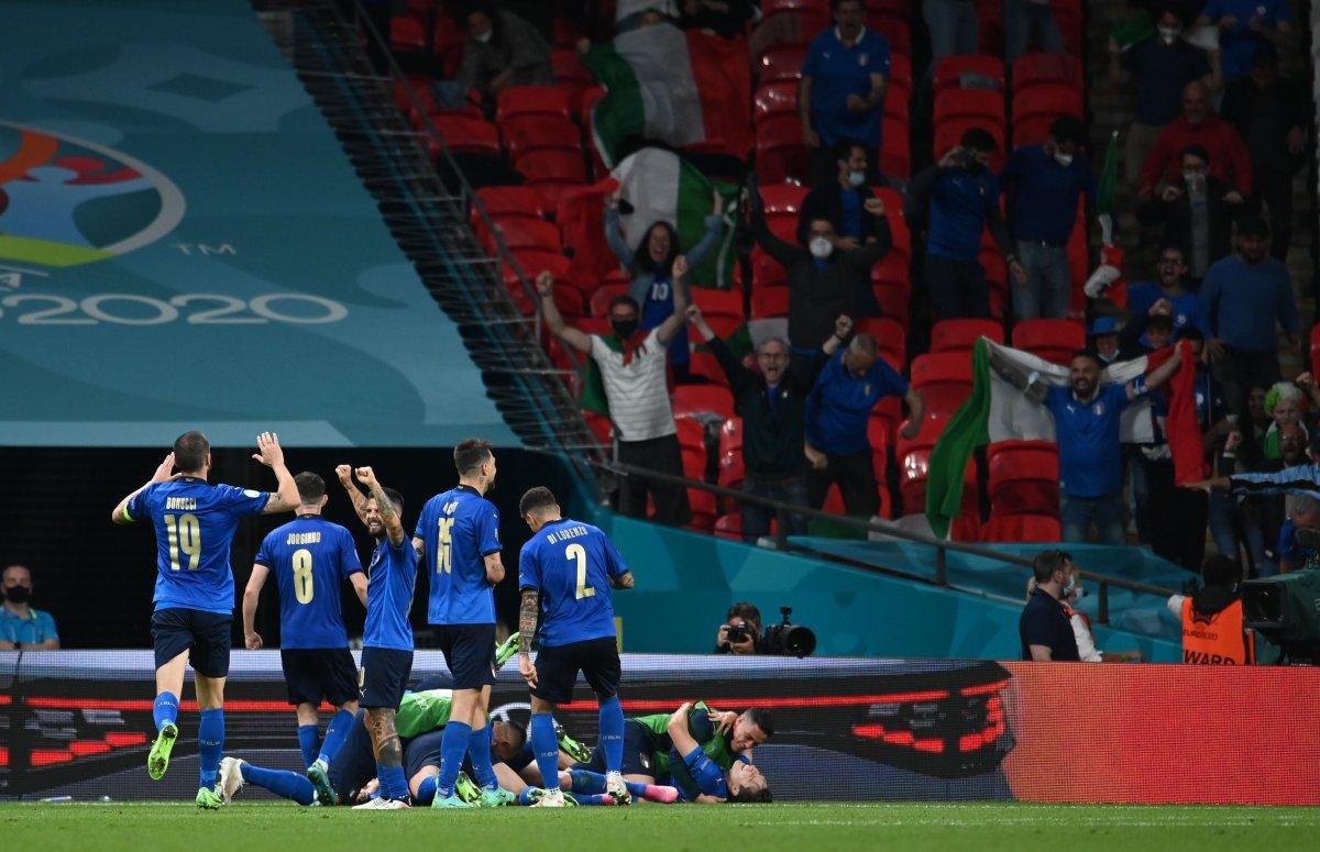 Euro 2020 de Avusturya yı eleyen İtalya çeyrek finalde #7