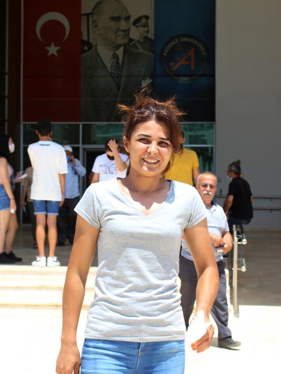 YKS sınavına giren Melek İpek: Bugün daha iyi geçti, bildiklerimi yaptım #2