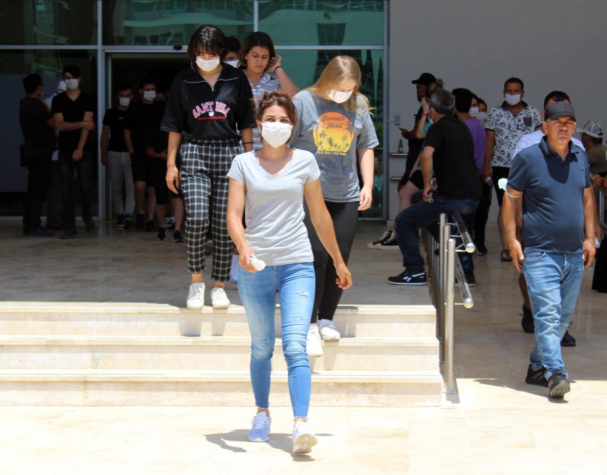 YKS sınavına giren Melek İpek: Bugün daha iyi geçti, bildiklerimi yaptım #4