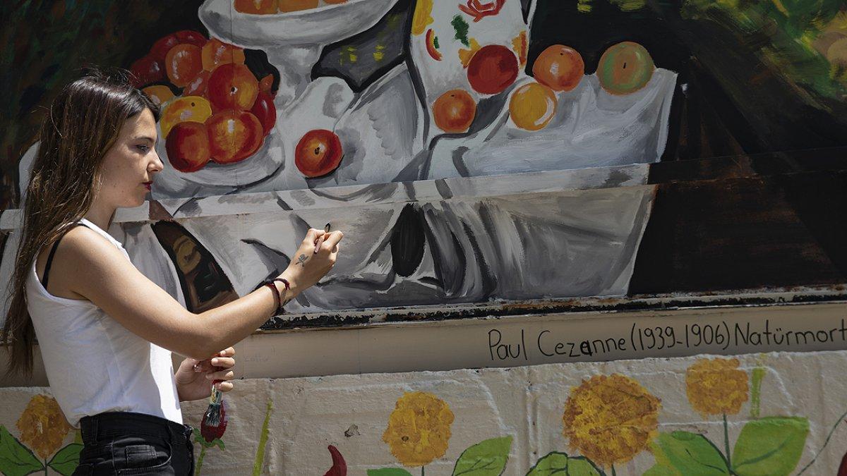 İzmir de üniversiteliler ortaokul bahçesini ünlü ressamların eserleriyle renklendirdi #3