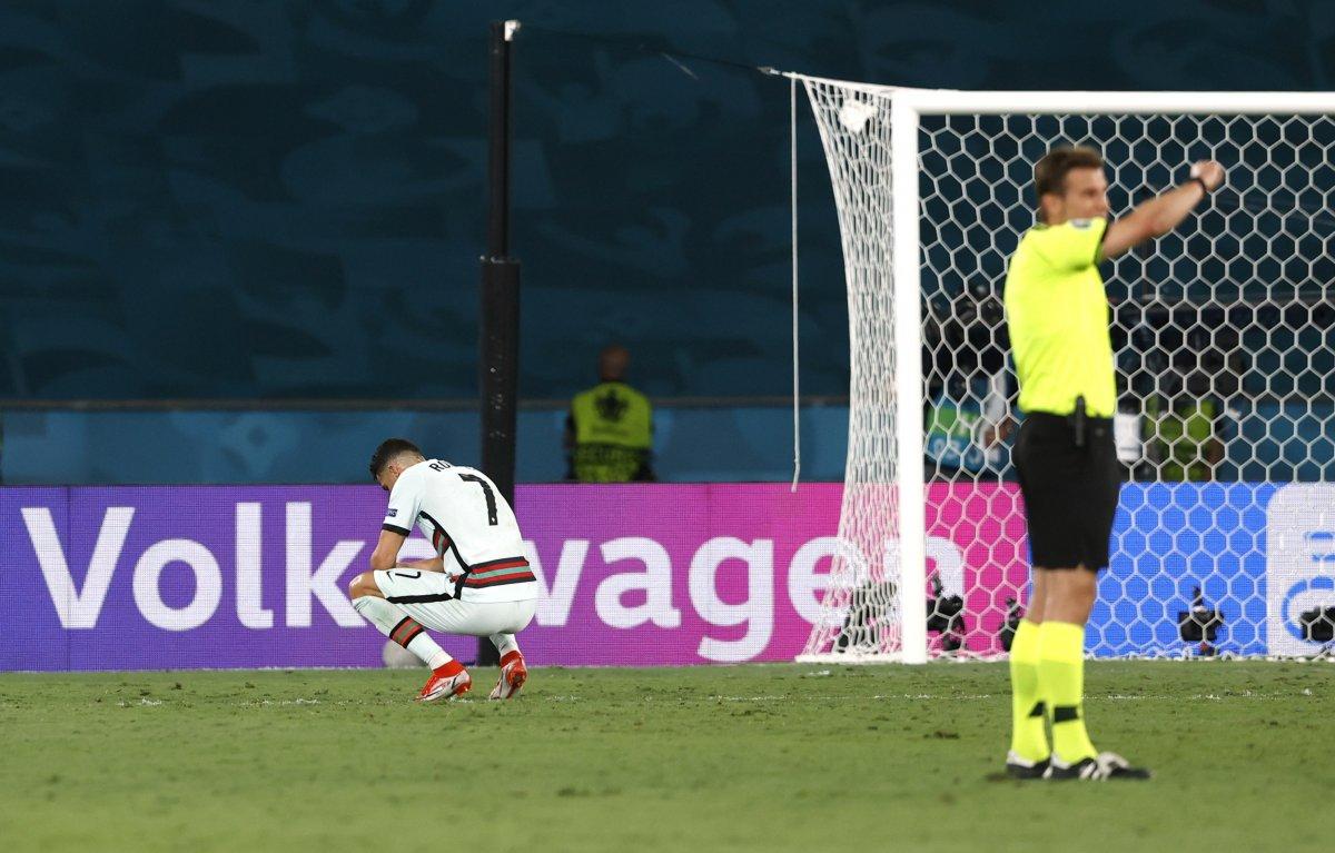 Cristiano Ronaldo son düdükle birlikte yıkıldı #3