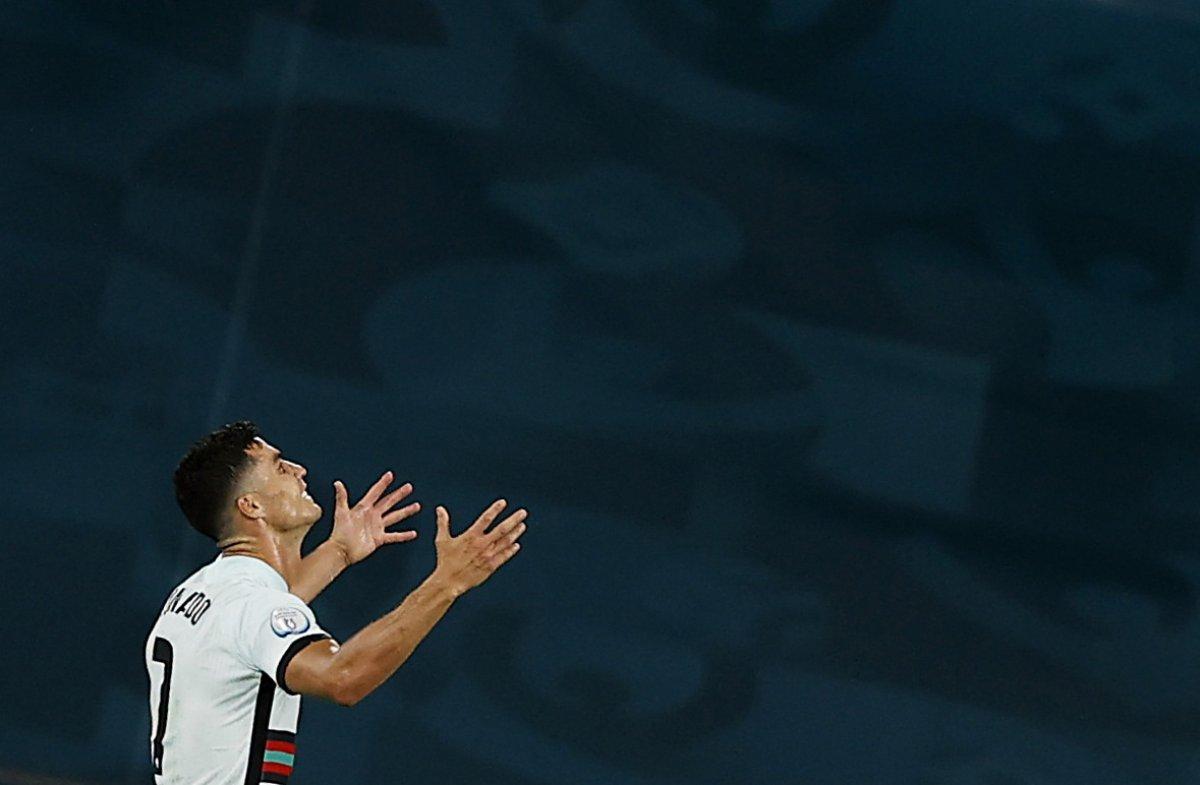 Cristiano Ronaldo son düdükle birlikte yıkıldı #2