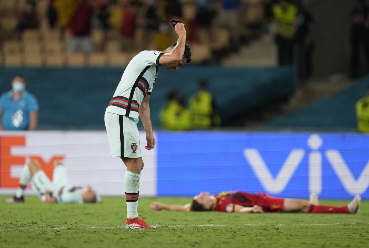 Cristiano Ronaldo son düdükle birlikte yıkıldı #9