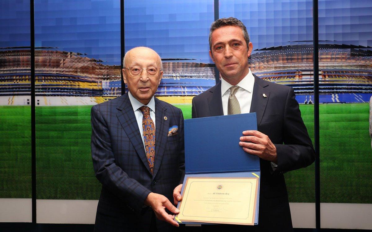 Fenerbahçe de Ali Koç, mazbatayı aldı #3