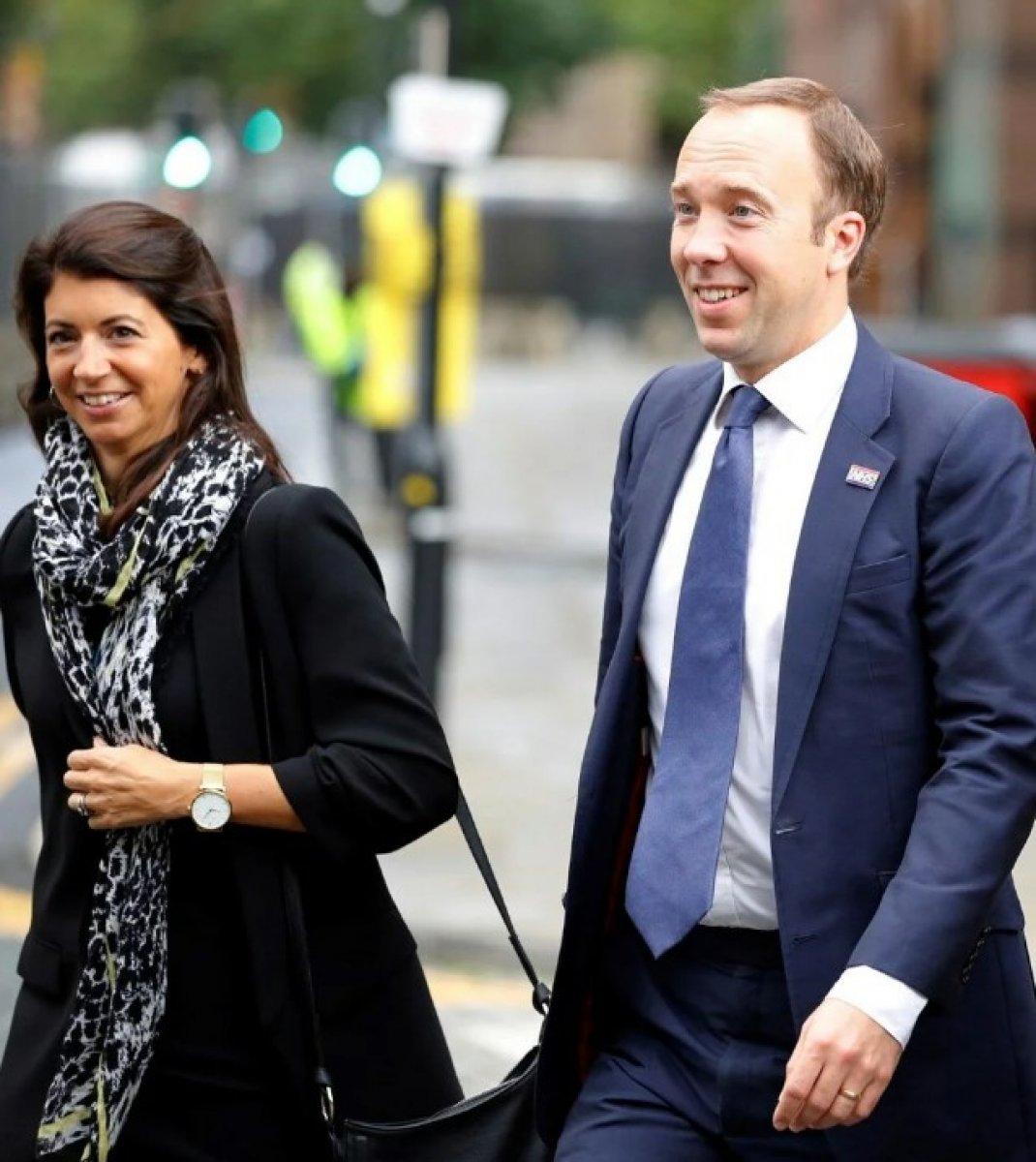 İngiltere Sağlık Bakanı Matt Hancock, eşini terk etti #1