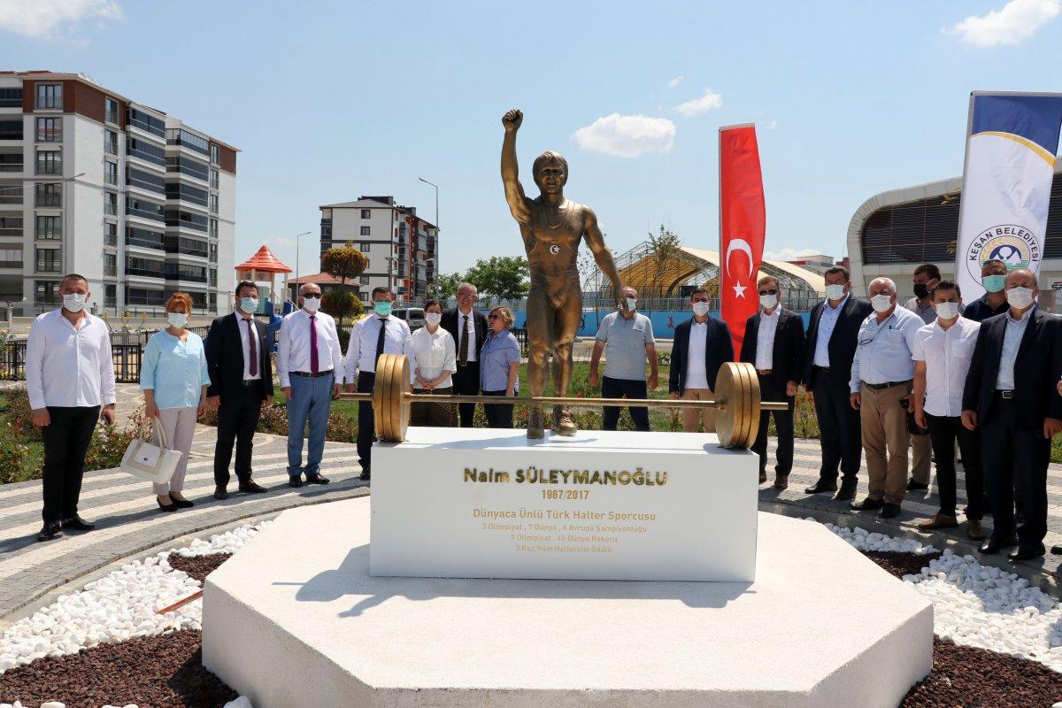 Edirne deki yeni parka, Naim Süleymanoğlu heykeli yapıldı #1
