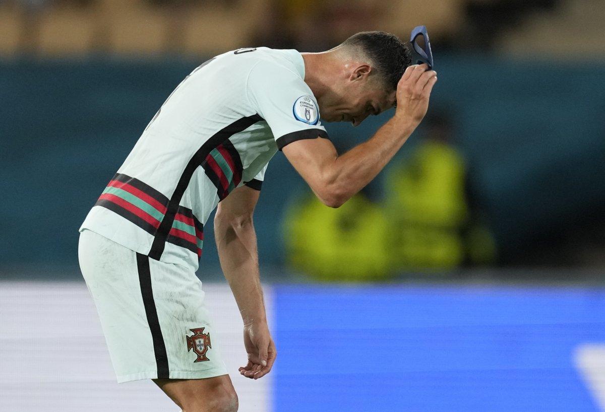 Cristiano Ronaldo son düdükle birlikte yıkıldı #7