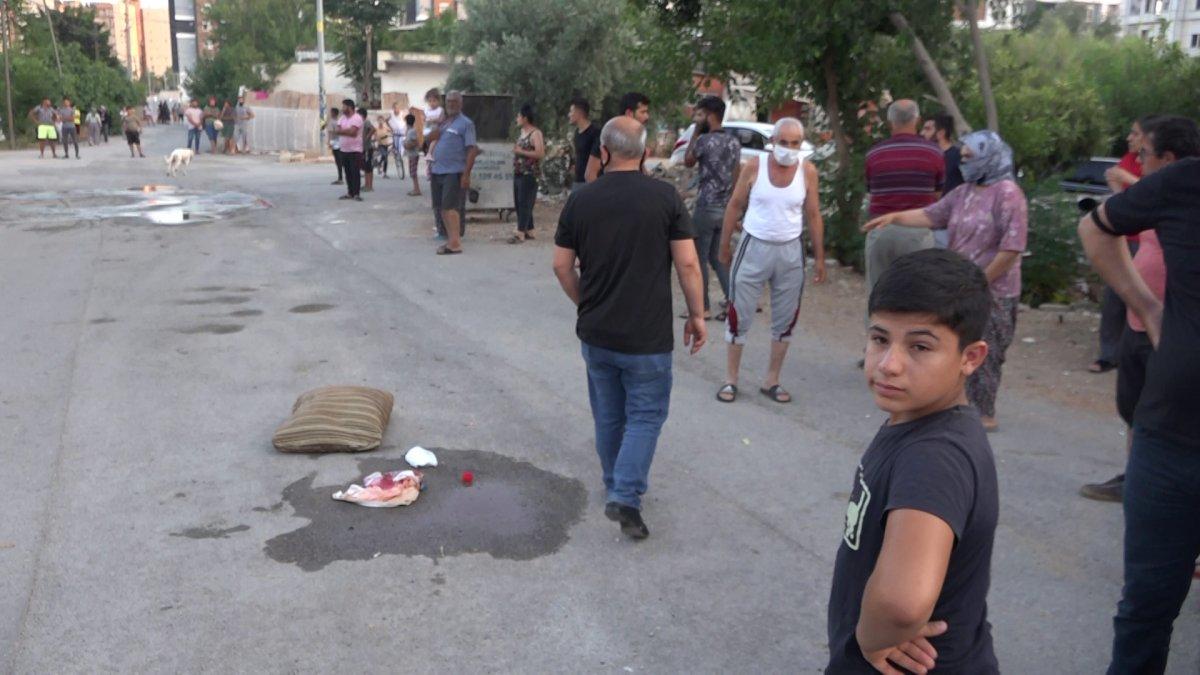 Antalya da arkadaşını kalbine makas saplayıp öldürdü #2