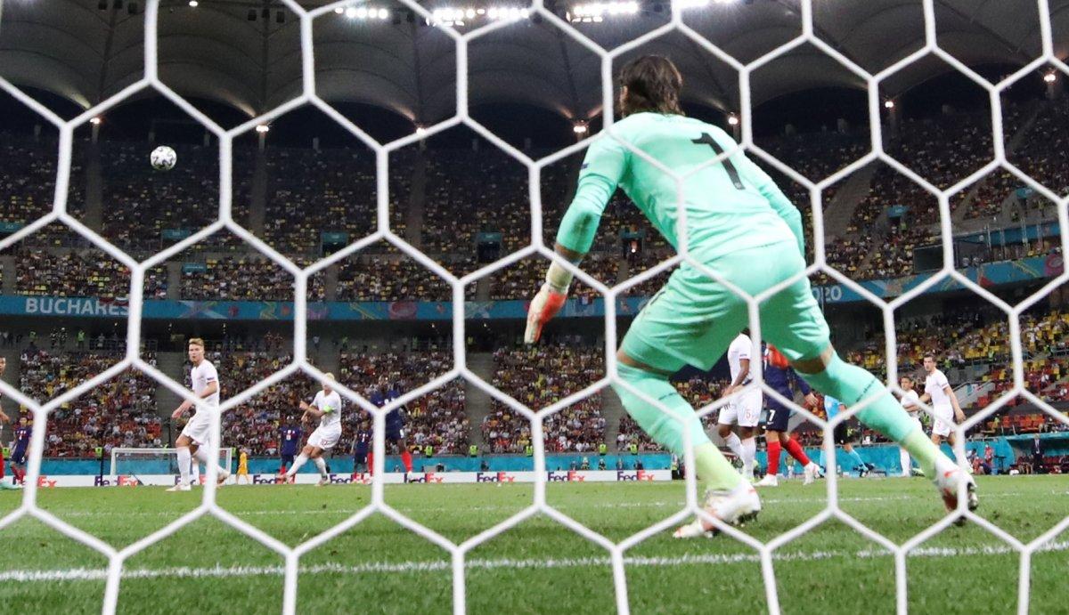Paul Pogba nın İsviçre ye attığı gol #4