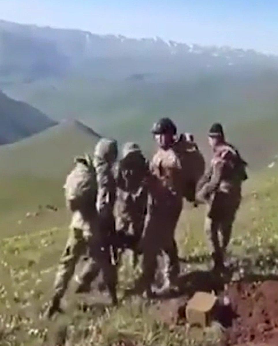 Azerbaycan askerleri, sınır ihlali yapan Ermeni askerleri dövdü #1