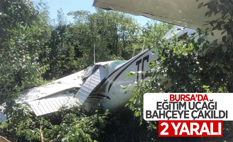 Bursa'da eğitim uçağı bahçeye düştü