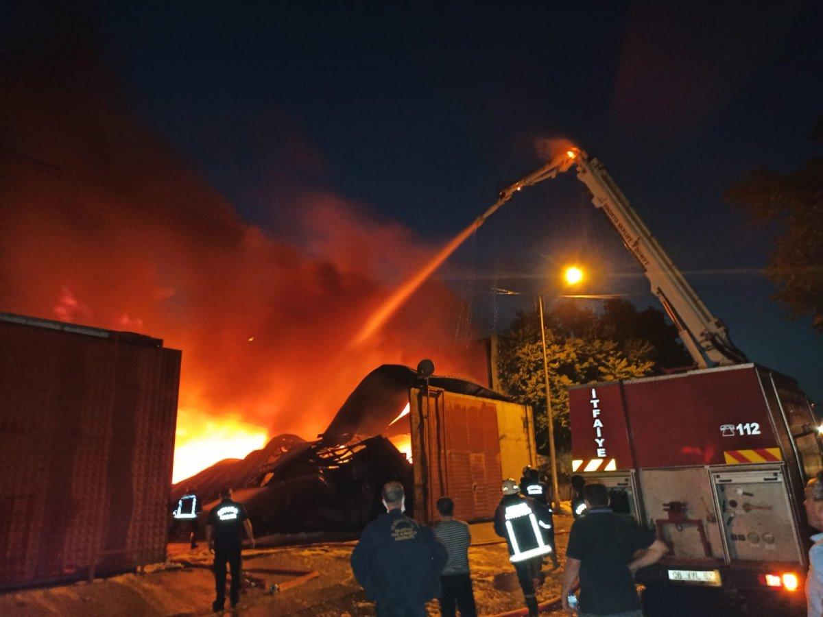 Ankara da atık dönüşüm tesisinde yangın #1