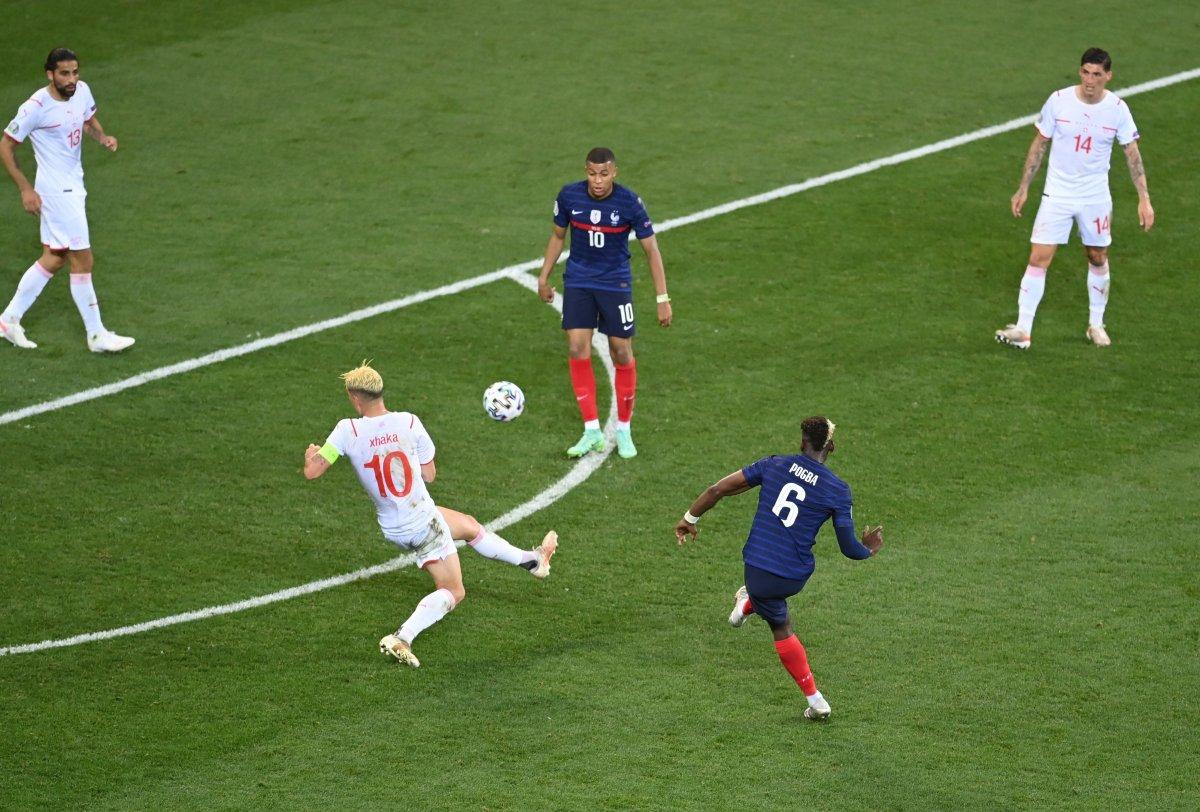 Paul Pogba nın İsviçre ye attığı gol #1