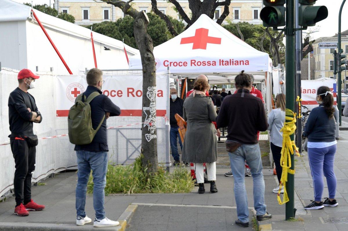 İtalya'da son 24 saatte 679 yeni vaka #1