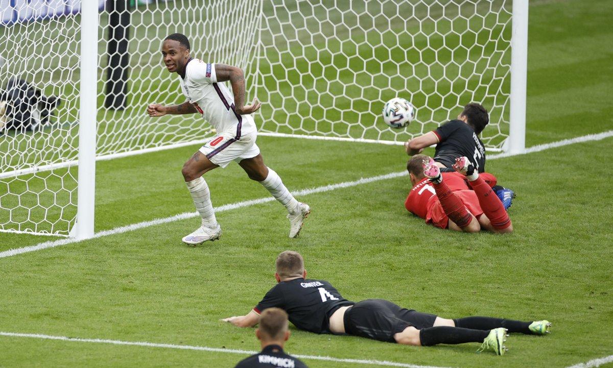 İngiltere, Almanya yı 2 golle geçti #9