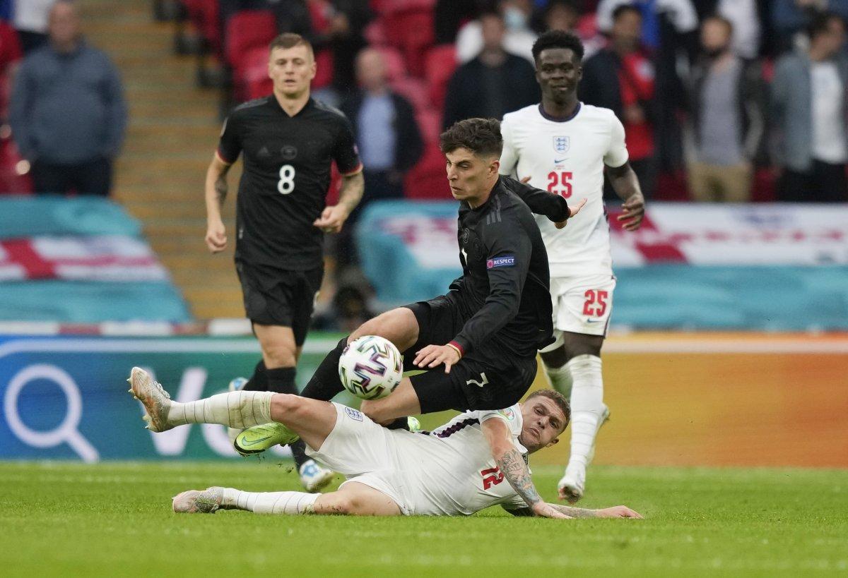 İngiltere, Almanya yı 2 golle geçti #2