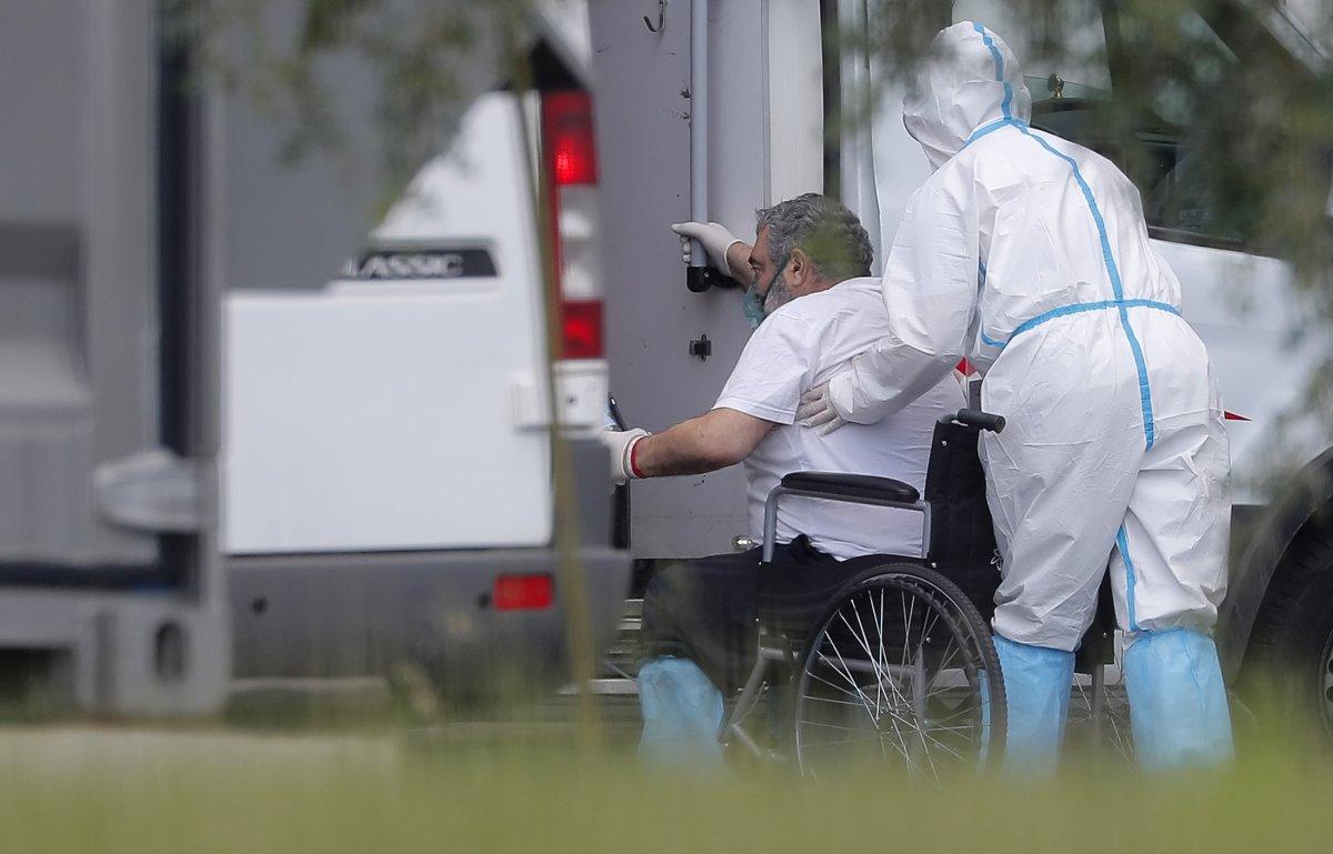 Rusya'da, 24 saatte 652 kişi koronavirüse yenik düştü  #2