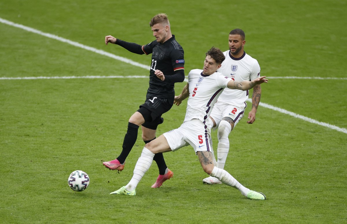 İngiltere, Almanya yı 2 golle geçti #1