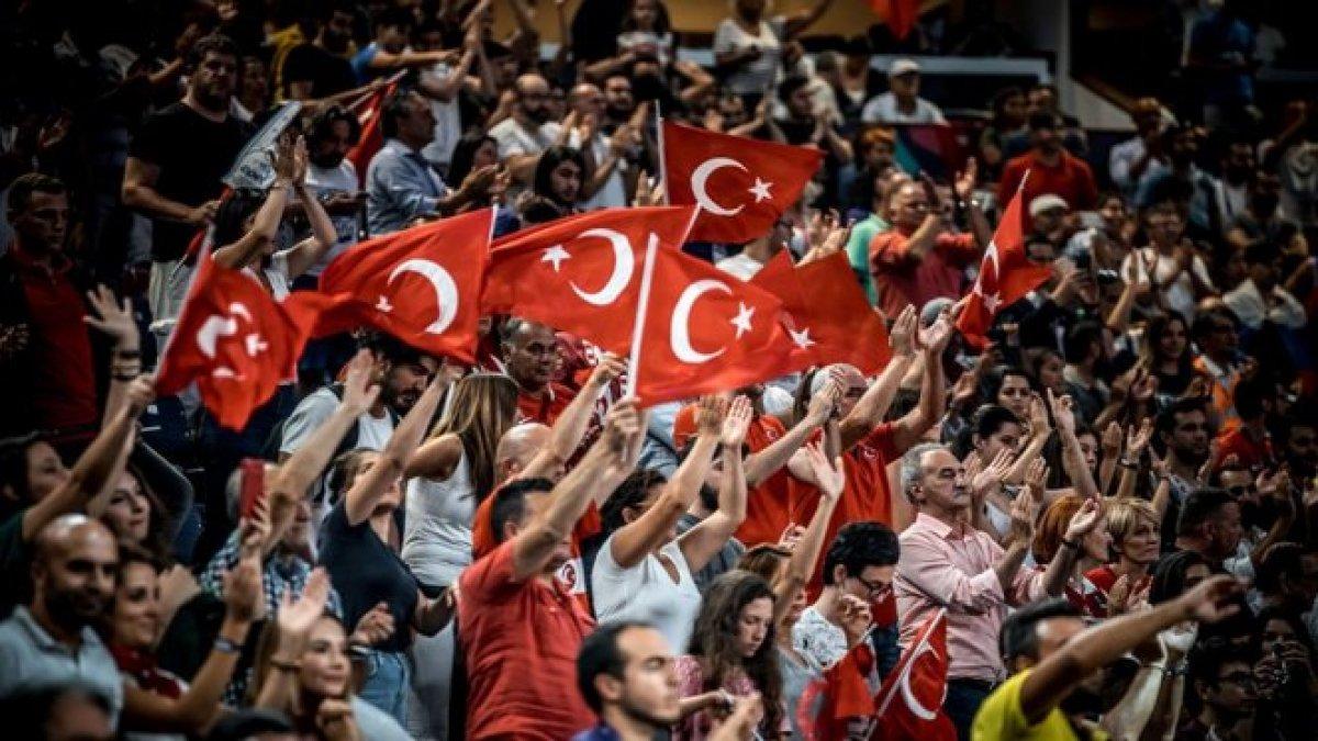 Yeni sezon seyircili olacak! Süper Lig de statlara seyirci alımı ne zaman başlayacak? #1