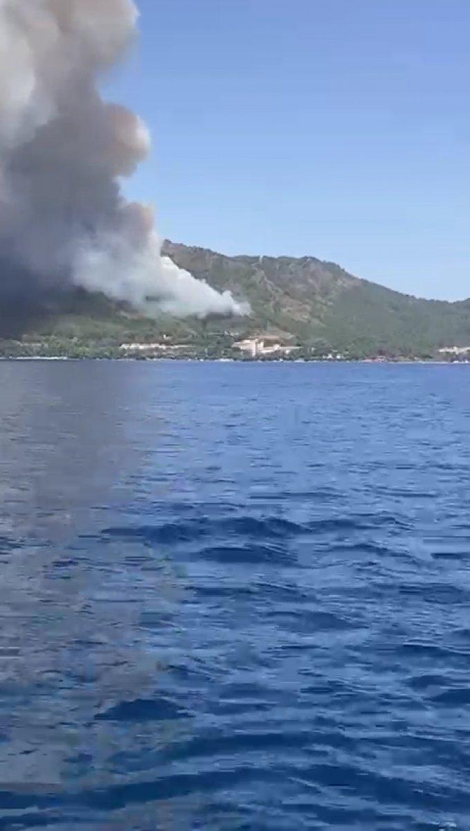 Marmaris teki orman yangınını İHA tespit etti #9