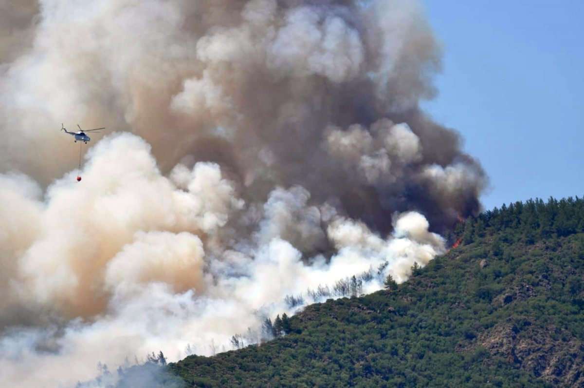 Marmaris teki orman yangınını İHA tespit etti #12