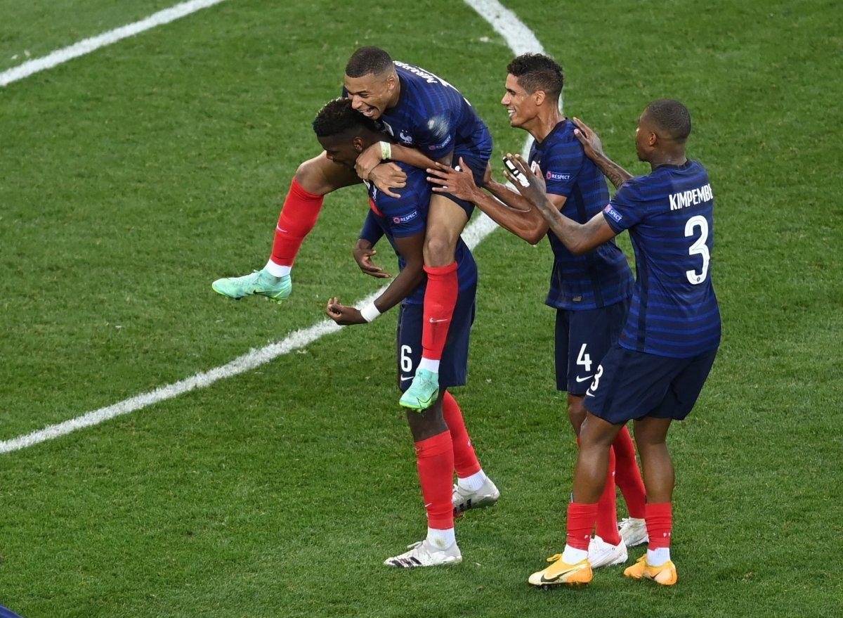 Paul Pogba nın İsviçre ye attığı gol #7