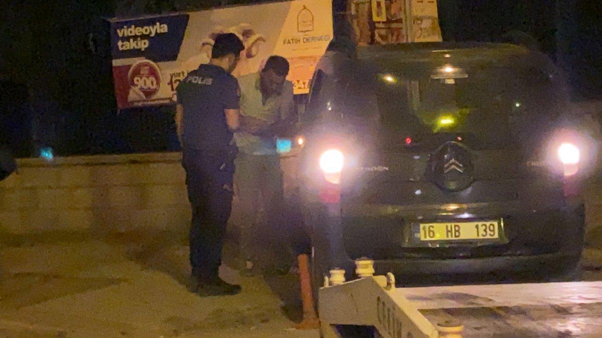 Bursa da polisin dur ihtarına uymadı, mezarlık duvarına çarptı #4