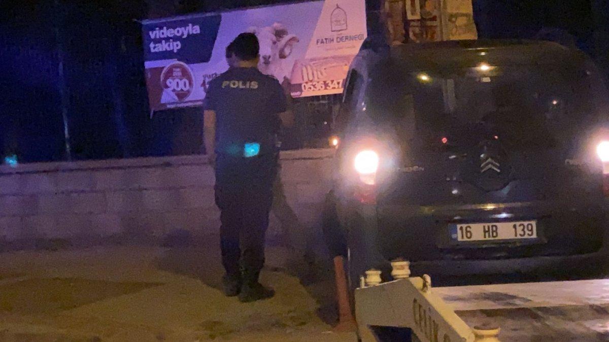 Bursa da polisin dur ihtarına uymadı, mezarlık duvarına çarptı #7