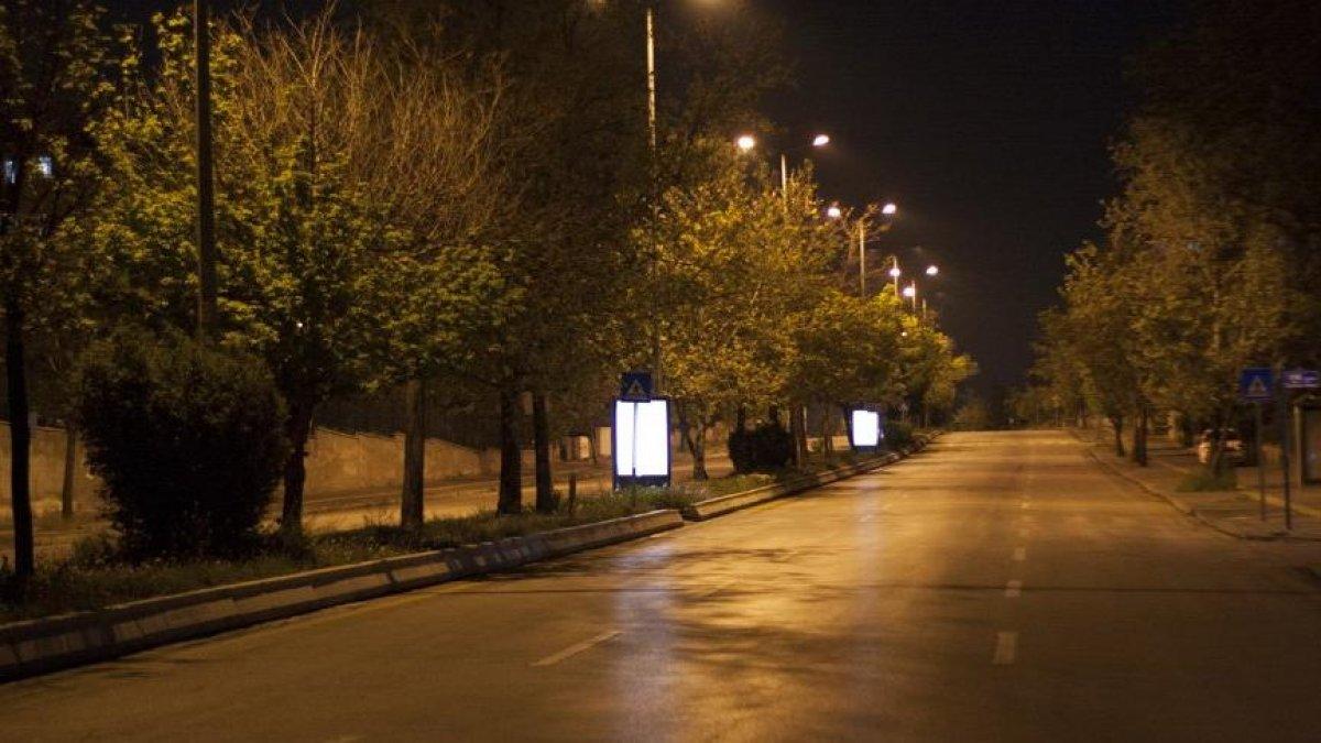 Bu gece yasaklar bitiyor mu? Gece 12 den sonra sokağa çıkma yasağı var mı? #1