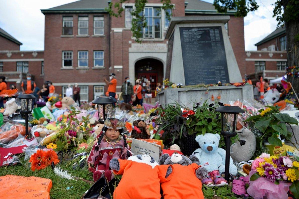 Kanada da kayıt dışı 182 çocuk mezarı daha bulundu #1