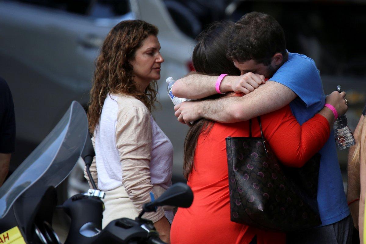 Miami de çöken 13 katlı binada ölenlerin sayısı artıyor #3