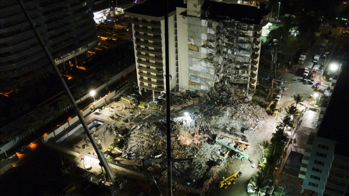 Miami de çöken 13 katlı binada ölenlerin sayısı artıyor #1