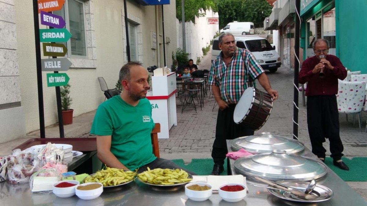 Adana daki şırdancı esnafından kısıtlamaya davul zurnalı veda #3