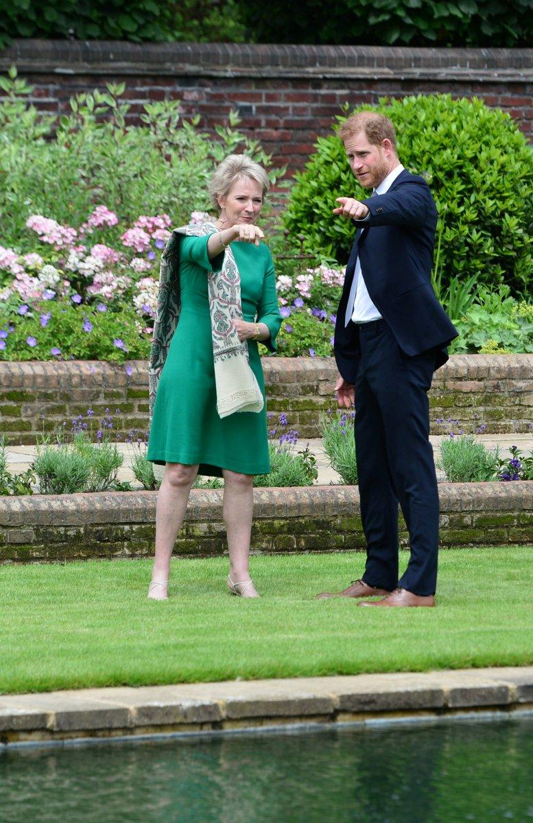 Prenses Diana'nın heykeli Londra'da açıldı #4