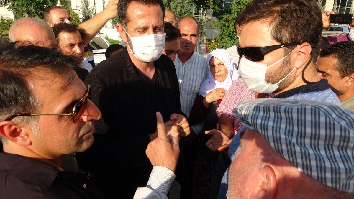 Evlat nöbeti tutan ailelerden CHP'li vekile sert tepki #2