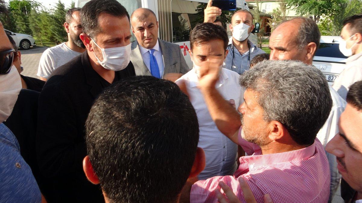 Evlat nöbeti tutan ailelerden CHP'li vekile sert tepki #3