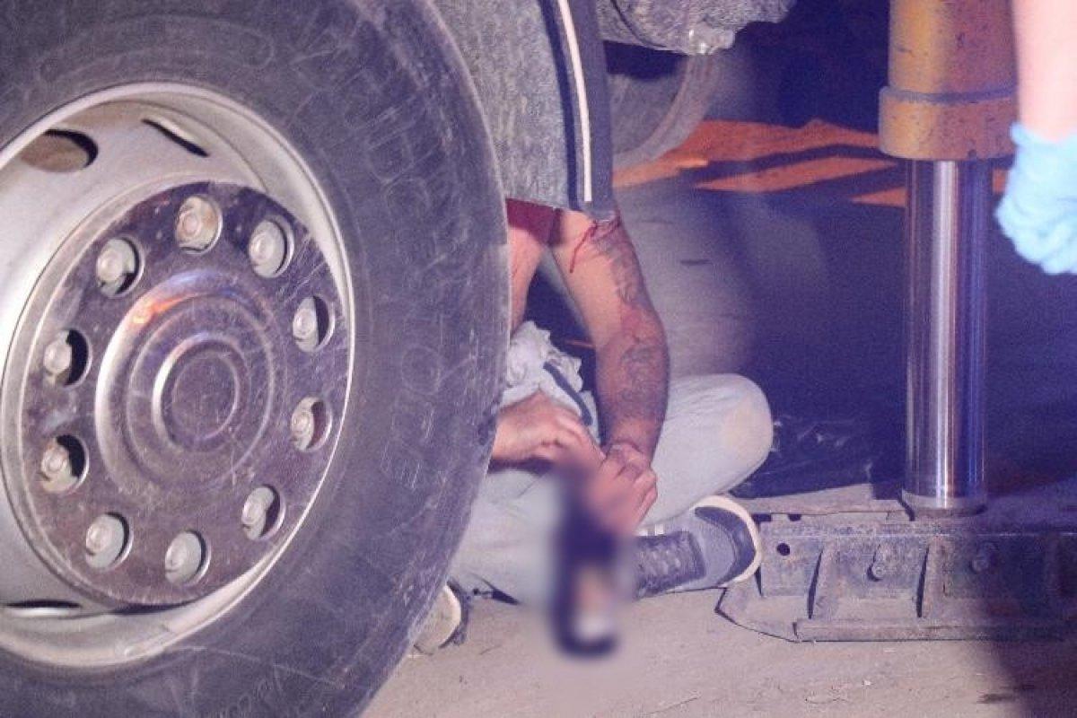 Sakarya da alkollü şahıs polislere zor anlar yaşattı #3