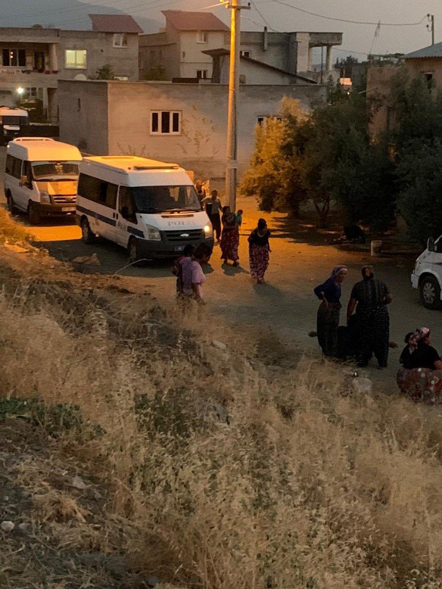 Osmaniye de, freni boşalan minibüsün altında kalan çocuk öldü #3