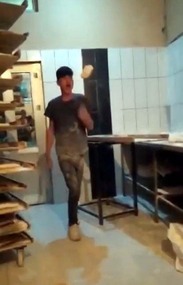 Van da ekmek hamuruyla top gibi oynayan fırın çalışanı serbest bırakıldı #1